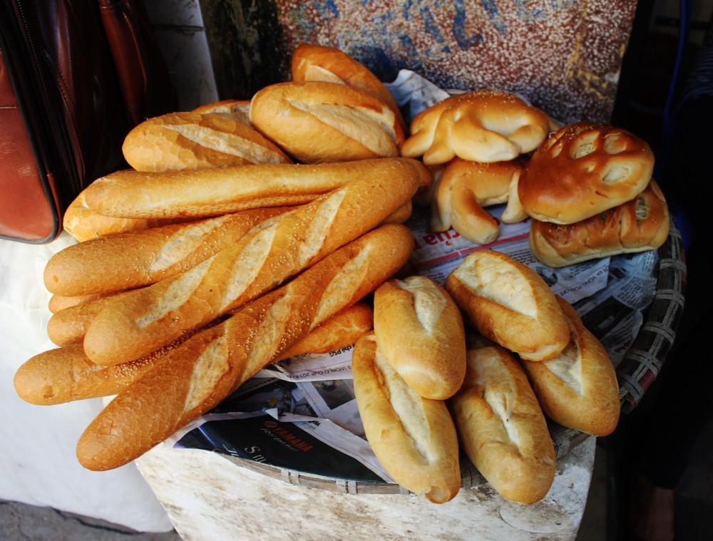 cost to travel vietnam street food