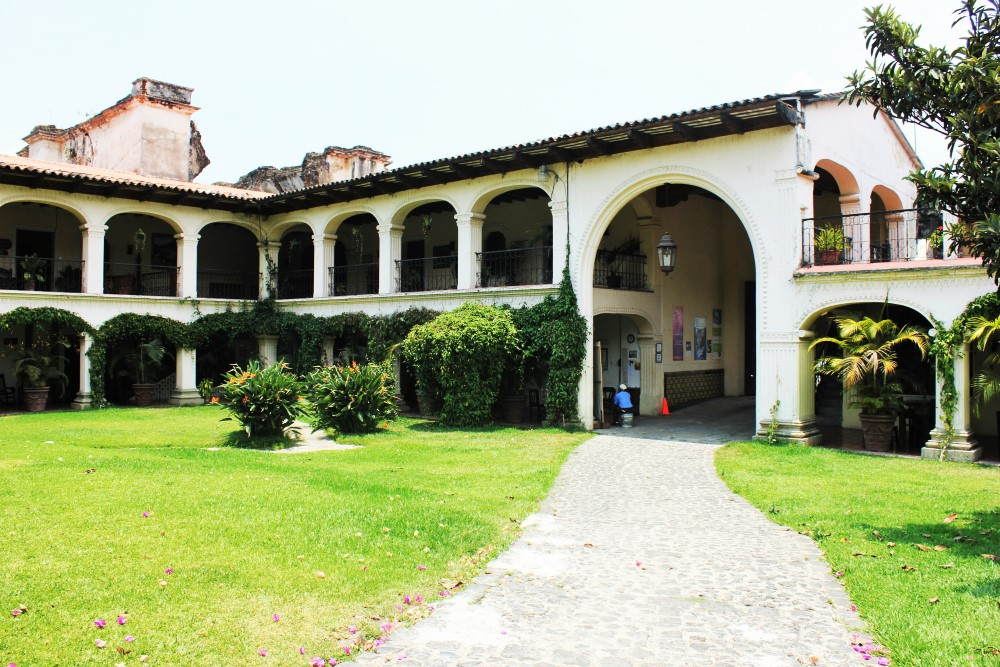 Choose a Spanish School in Antigua, Guatemala | Charlie on
